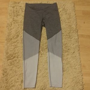 NWTO Old Navy Active all grays leggings